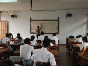 Voor de klas op Ambon