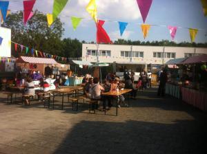 Pasar Maluku in Pr.Hendrikstraat én op HET PLEIN.